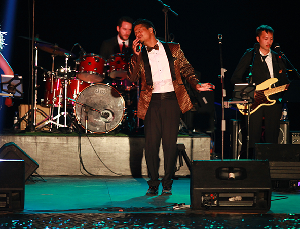The Julian Simonsz Band - Cover Bands Musicians - Singers Entertainers